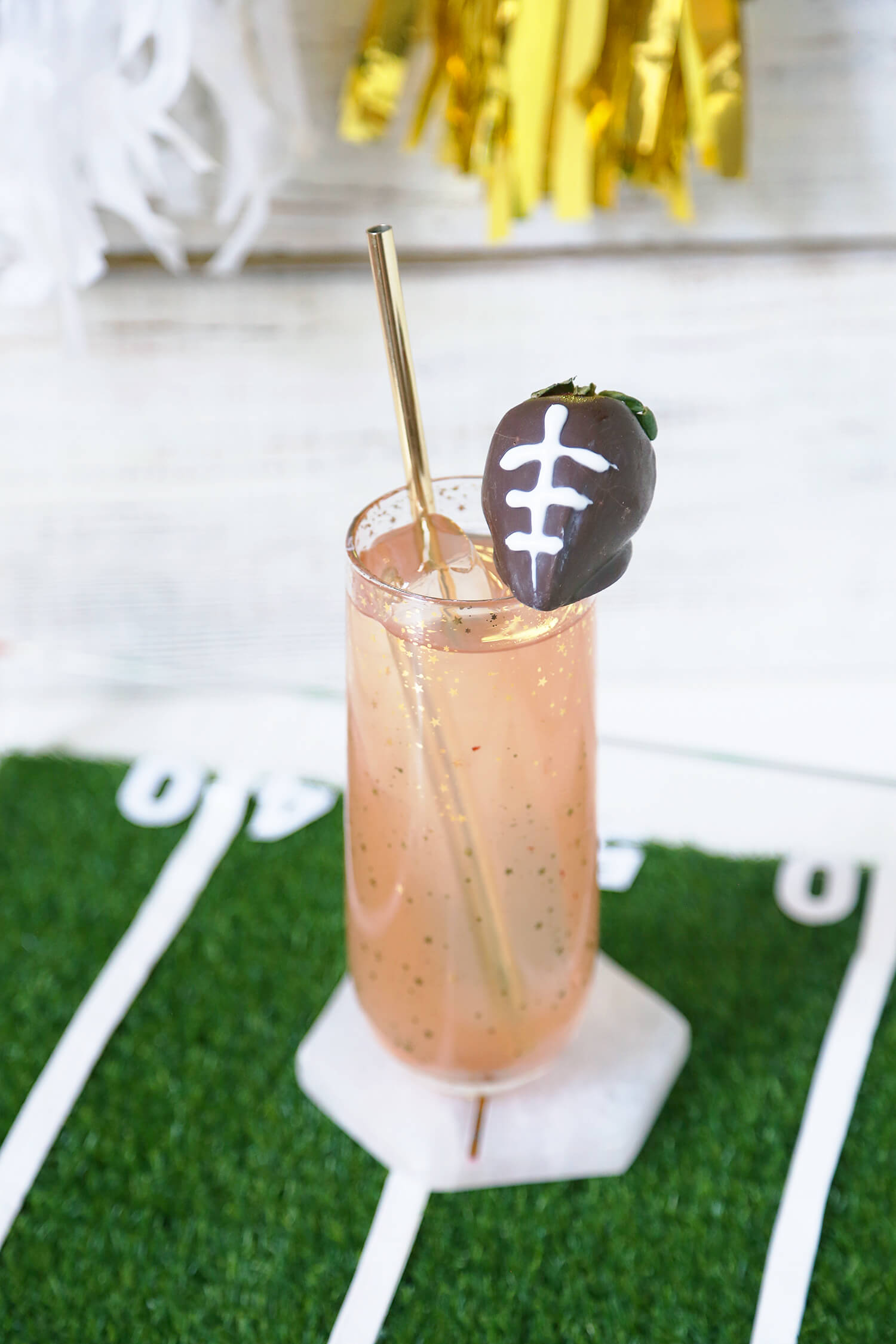 Fizzy Bourbon Strawberry Lemonade - Super Bowl Party ideas